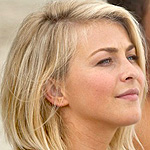 Movie Trailer Debuts for Nicholas Sparks&#8217; <em>Safe Haven</em>