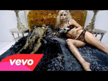 Lady Gaga – 'Bad Romance' Music Video