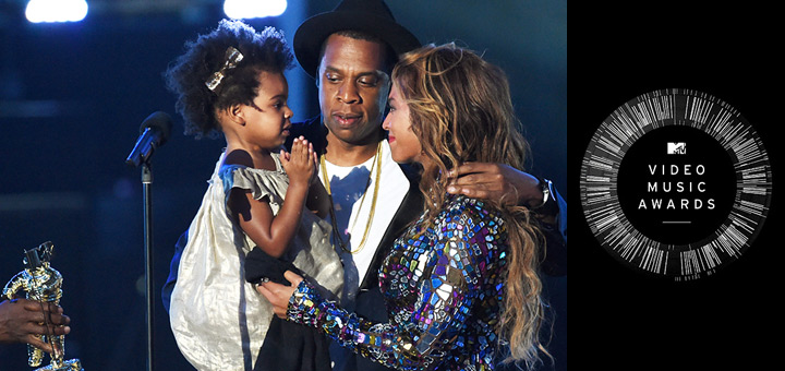 Beyonce's 2014 VMA Performance, Accepts Award From Jay Z, Blue Ivy