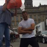 zack_snyder_ice_bucket_challenge