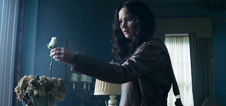 New Hunger Games: Mockingjay Part 1 Trailer, Katniss Returns to District 12