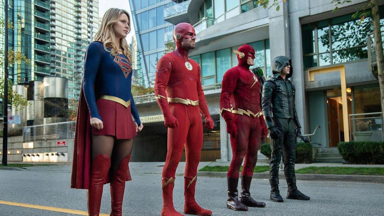 Elseworlds TV Spots: Batwoman, Superman, 90s Flash in Crossover Event