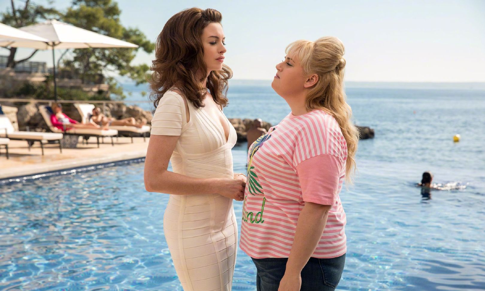 The Hustle Anne Hathaway and Rebel Wilson