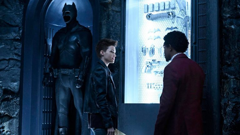 Batwoman Trailer: Ruby Rose is CW's Newest Superhero